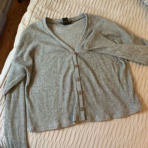Sweaters - Gray vneck sweater